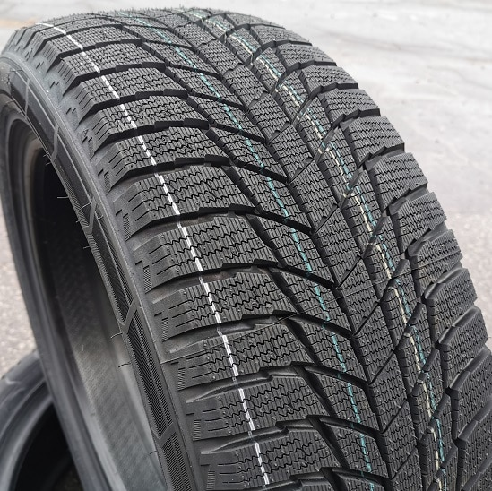 245/45R18 100R TRIANGLE PL01 XL