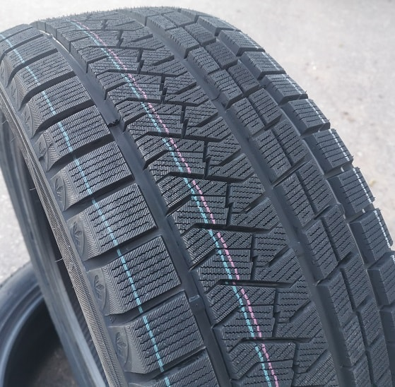 275/40R19 105V TRIANGLE PL02 XL