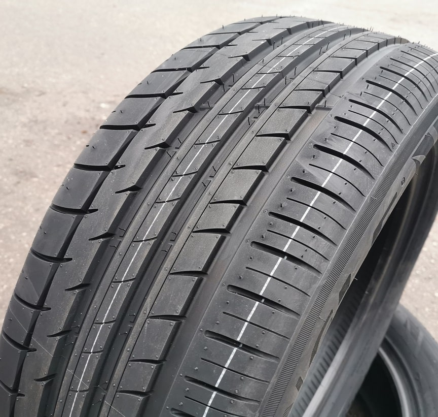 275/40R20 106Y Triangle Sportex TH201 XL